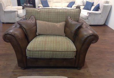Heathcliffe Love Seat by Lazboy