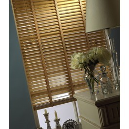 Natural Wood Slat Venetian Blinds