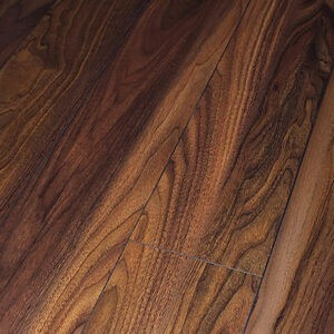 Dynamic 4V Augusta Walnut 193mm x 8mm - 2.131m²